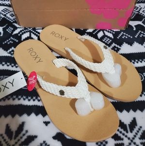 Roxy Flip Flops size 10 New with tags